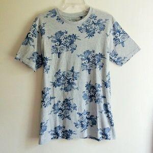 Cactus brand Floral Gray Short Sleeve Tshirt